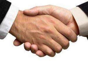 L'interdiction d'attribuer le contrat à une offre qui reste irrégulière au terme des négociations
