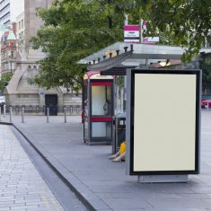 Concession de mobilier urbain: attention au respect du règlement local de publicité !